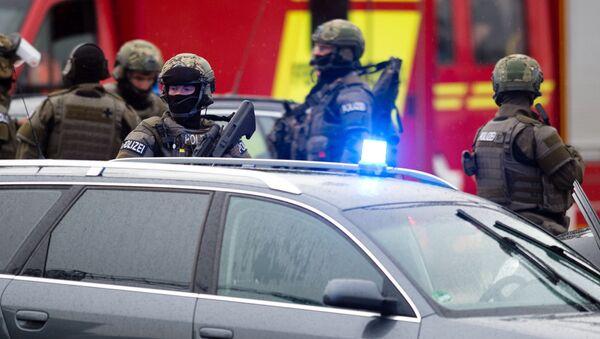 W centrum handlowym Olympia w Monachium wybuchła strzelanina. - Sputnik Polska