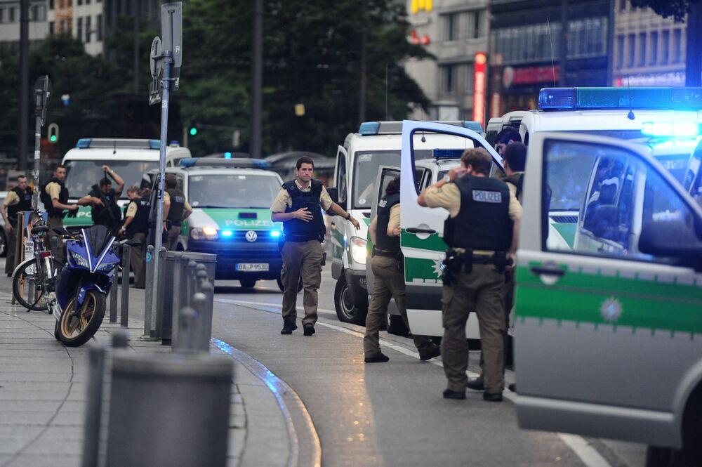 Czeskie władze zadecydowały o wzmocnieniu kontroli na granicy z Niemcami w związku z zagrożeniem terrorystycznym. Wcześniej kontrole wzmocnili Austriacy.