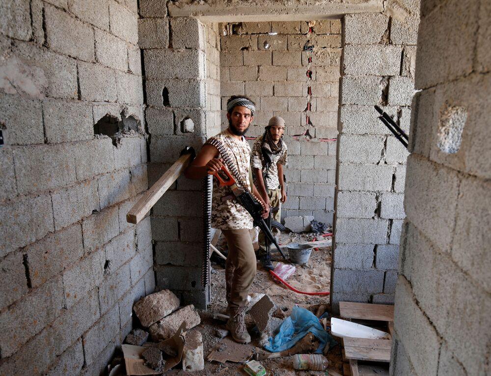 Ostatni przełom po stronie brygad Misraty miał miejsce w czwartek. Poinformowali o opanowaniu terenu na kilku frontach, ale niestety kosztem 25 ofiar śmiertelnych i 200 rannych.