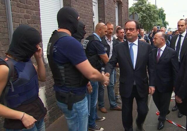 Francois Hollande w Saint-Étienne-du-Rouvray