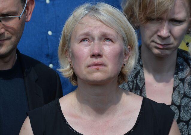 Szefowa Ukraińskiej Prawdy Ołena Prytuła podczas pogrzebu dziennikarza Pawła Szeremeta