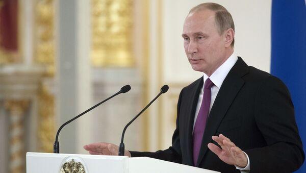 Prezydent Rosji Władimir Putin na spotkaniu na Kremlu z członkami reprezentacji olimpijskiej Rosji - Sputnik Polska