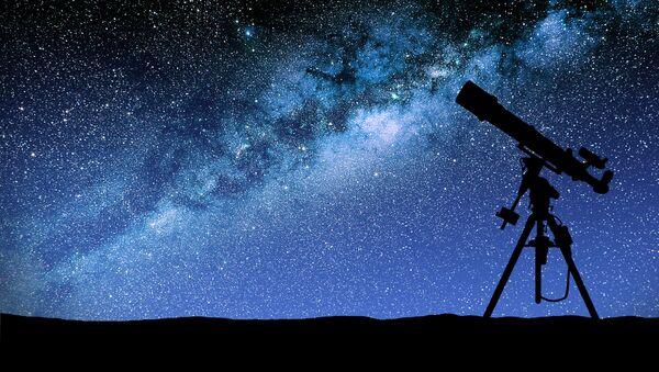 Teleskop na tle Drogi Mlecznej - Sputnik Polska