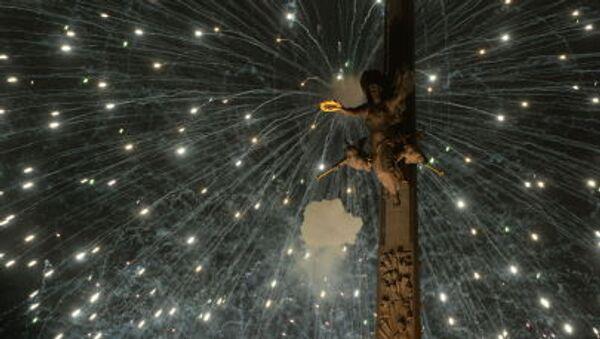 Pokaz sztucznych ogni w Moskwie, Widok z Pokłonnej Góry, Moskwa, 9 maja 2015. - Sputnik Polska