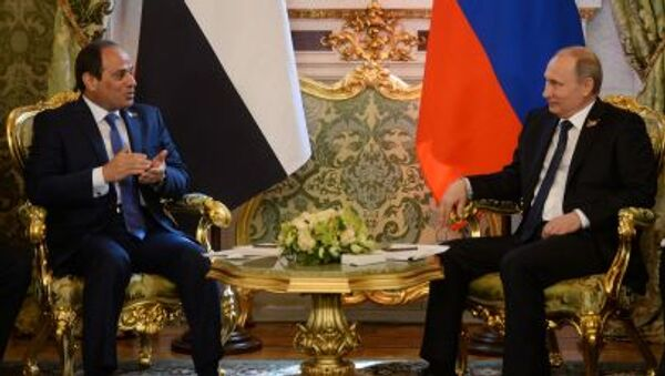 Prezydent Egiptu Abd al-Fattah as-Sisi podczas spotkania z prezydentem Rosji Władimirem Putinem - Sputnik Polska