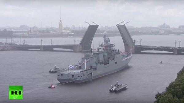 Uroczystości z okazji Dnia Marynarki Wojennej w Petersburgu - Sputnik Polska