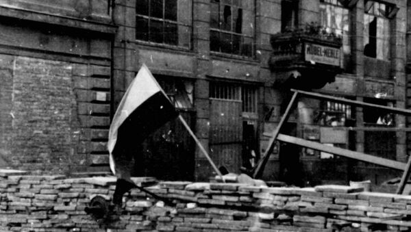Polskie barykady w czasie Powstania Warszawskiego,1944. - Sputnik Polska