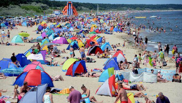 Plażowicze nad Morzem Bałtyckim - Sputnik Polska