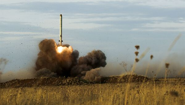 Start rakiety Iskander-M - Sputnik Polska