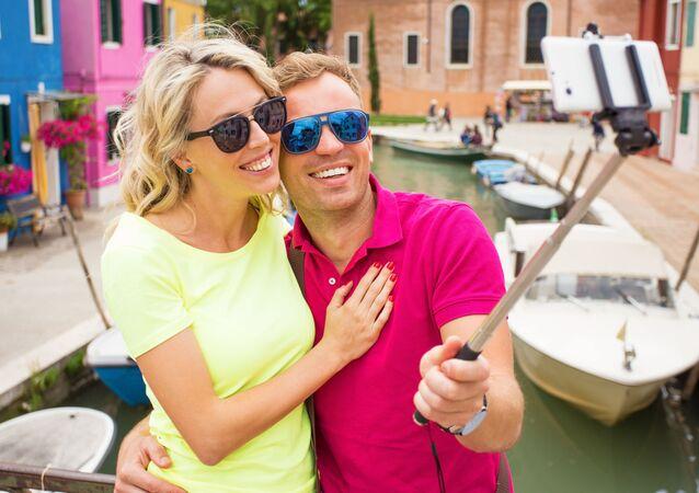 Turyści robią selfie