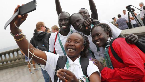 Członkowie reprezentacji olimpijskiej uchodźców Yiech Pur Biel i Amottun Paul w Rio de Janeiro - Sputnik Polska