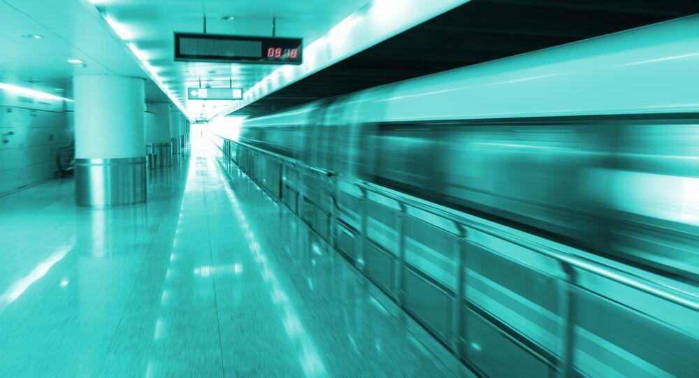 Superszybki pociąg na poduszce magnetycznej