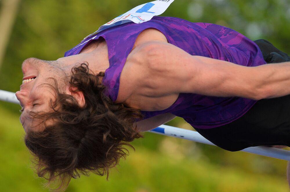 Na czarnej liścia znalazł się też mistrz olimpijski z Londynu w soku w wzwyż Iwan Uchow. W maju 2014 roku wygrał prestiżowe zawody Diamentowej Ligii w Dosze, osiągając najlepszy wynik w karierze w zawodach na otwartym powietrzu – 2,41 m.