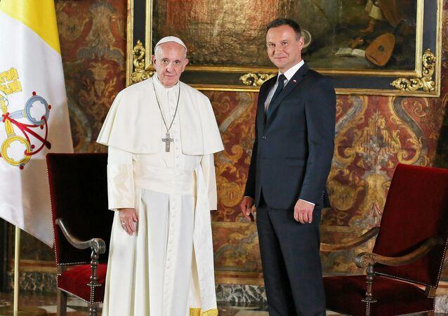 Papież Franciszek i prezydent Andrzej Duda na Wawelu
