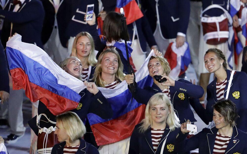 Rosyjska reprezentacja podczas ceremonii otwarcia  Igrzysk Olimpijskich 2016 w Rio de Janeiro