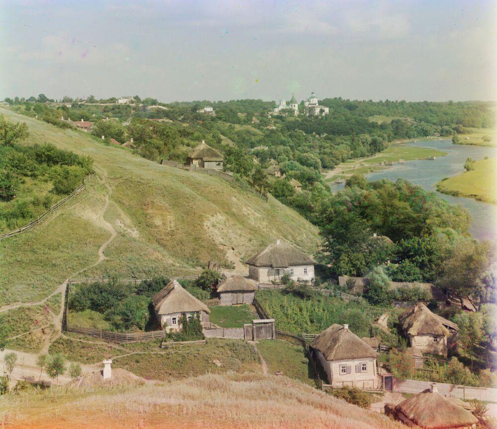 Wieś na brzegu rzeki. Małoruś