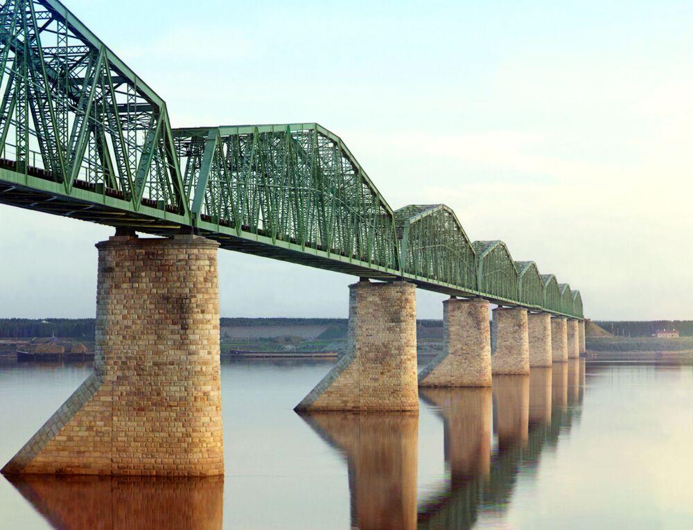 Most przez rzekę Kamę. Gubernia permska