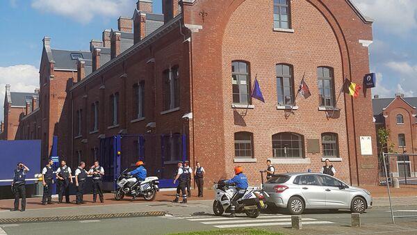 Komenda w Charleroi po ataku - Sputnik Polska