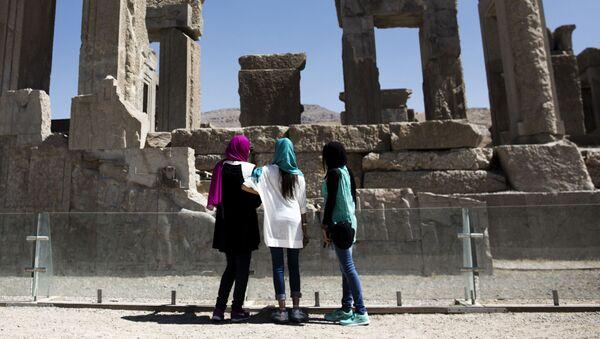 Irańskie turystki w Persepolis - Sputnik Polska