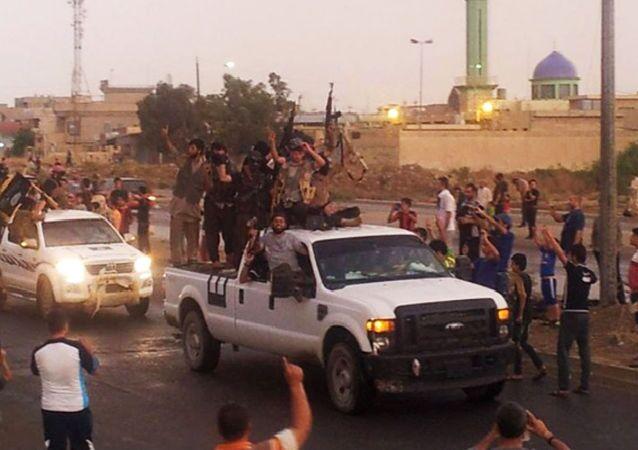 Bojownicy Państwa Islamskiego w Mosulu, Irak