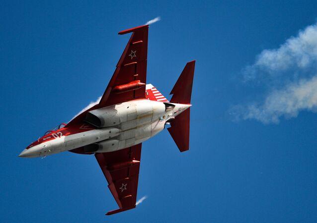 Jak-130 – rosyjski samolot szkolno-treningowy.