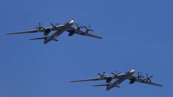 Tu-95MS jest wersją Tu-95, radzieckiego strategicznego samolotu bombowego dalekiego zasięgu.  - Sputnik Polska