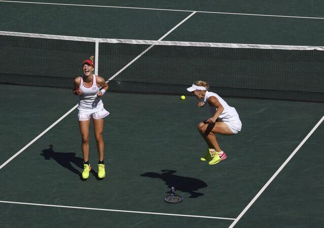 Tenisistki Jelena Wesnina i Ekaterina Makarowa