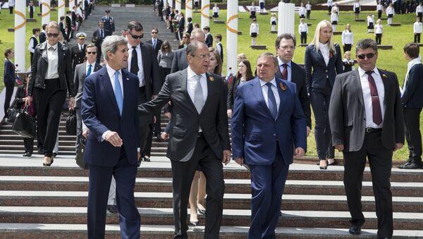 Sekretarz stanu USA John Kerry i szef rosyjskiego MSZ Siergiej Ławrow - Sputnik Polska