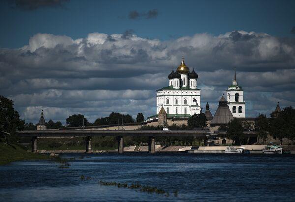 Psków położony jest w miejscu, gdzie łączą się rzeki Wielikaja (Wielka) i Pskowa. - Sputnik Polska
