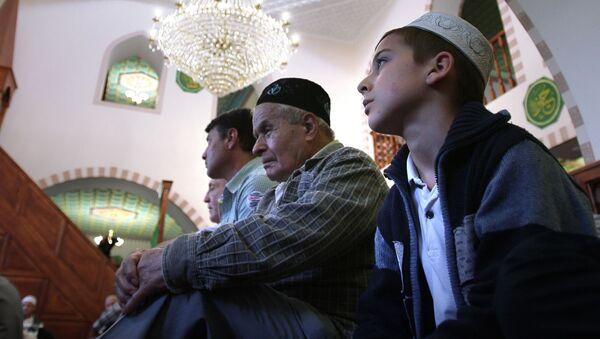 Tatarzy krymscy w Symerfopolu - Sputnik Polska