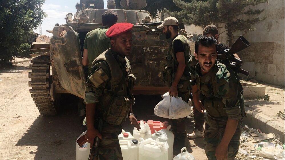 Wojska rządowe zabezpieczyli drogę do Aleppo ze strony północnej przez trasę Kastillo i Bani-Zeid. Do miasta codziennie przyjeżdżają ciężarówki  z paliwem, żywnością i lekarstwami.
