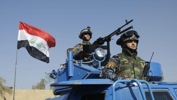 Irakijscy żołnierze w czasie parady w Bagdadzie, w Iraku.  - Sputnik Polska