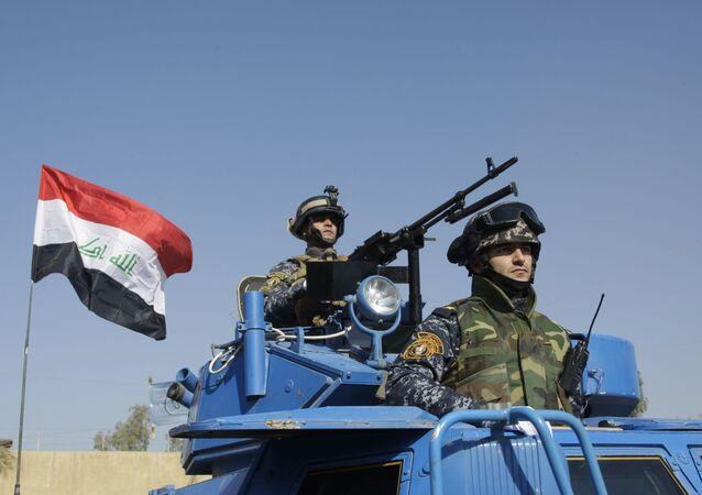 Irakijscy żołnierze w czasie parady w Bagdadzie, w Iraku.
