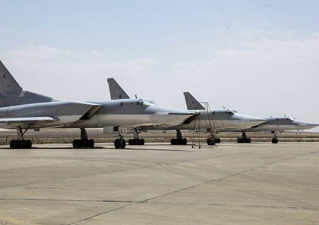 Rosyjskie Tu-22M3 na bazie w Hamedan, 15 sierpnia 2016