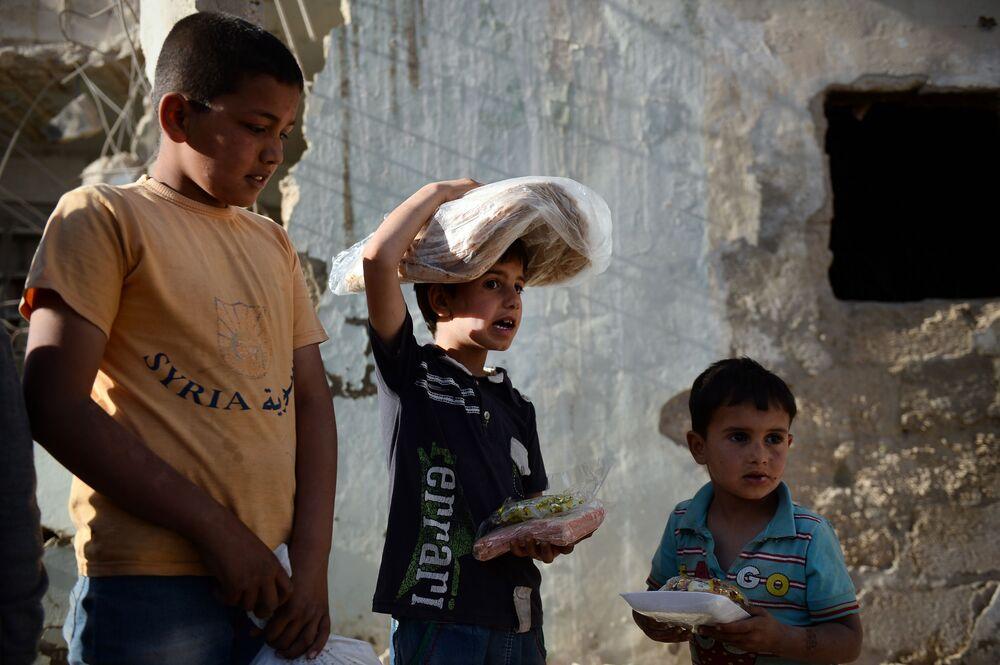 W ogarniętym wojną kraju w pierwszej kolejności pomocy potrzebują ludzie starsi i dzieci.