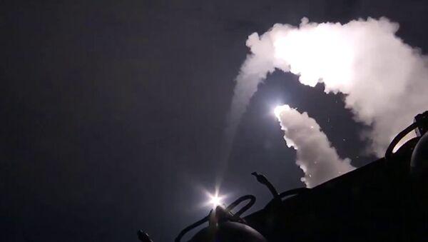 Okręty Flotylli Kaspijskiej wystrzeliwują rakiety manewrowe na obiekty bojowników PI - Sputnik Polska