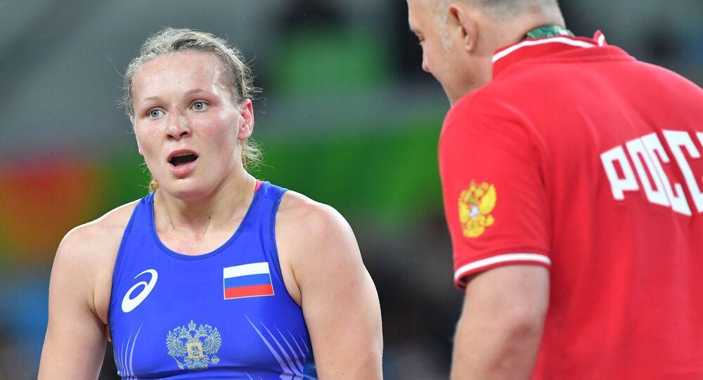 Rosjanka Inna Trażukowa w wlace o trzecie miejsce w zapasach w stylu wolnym na Olimpiadzie w Rio