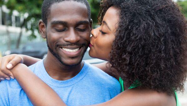 Kochająca się para z Afryki - Sputnik Polska