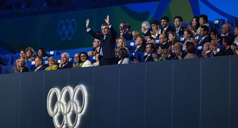 Przewodniczący MKOI Thomas Bach podczas ceremonii zamknięcia XXXI Letnich Igrzysk Olimpijskich