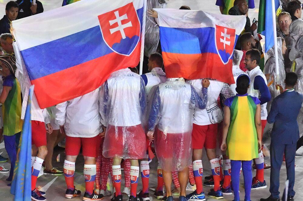 Reprezentacja Słowacji podczas ceremonii zamknięcia XXXI Letnich Igrzysk Olimpijskich