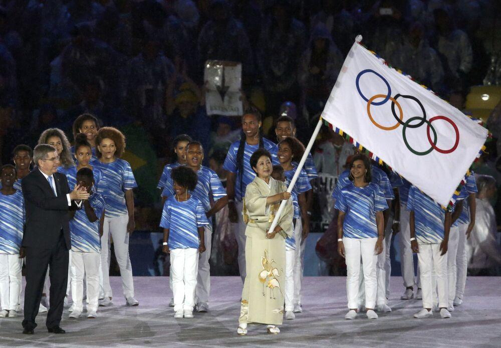 Prezydent Tokio Yuriko Koike podczas ceremonii zamknięcia XXXI Letnich Igrzysk Olimpijskich