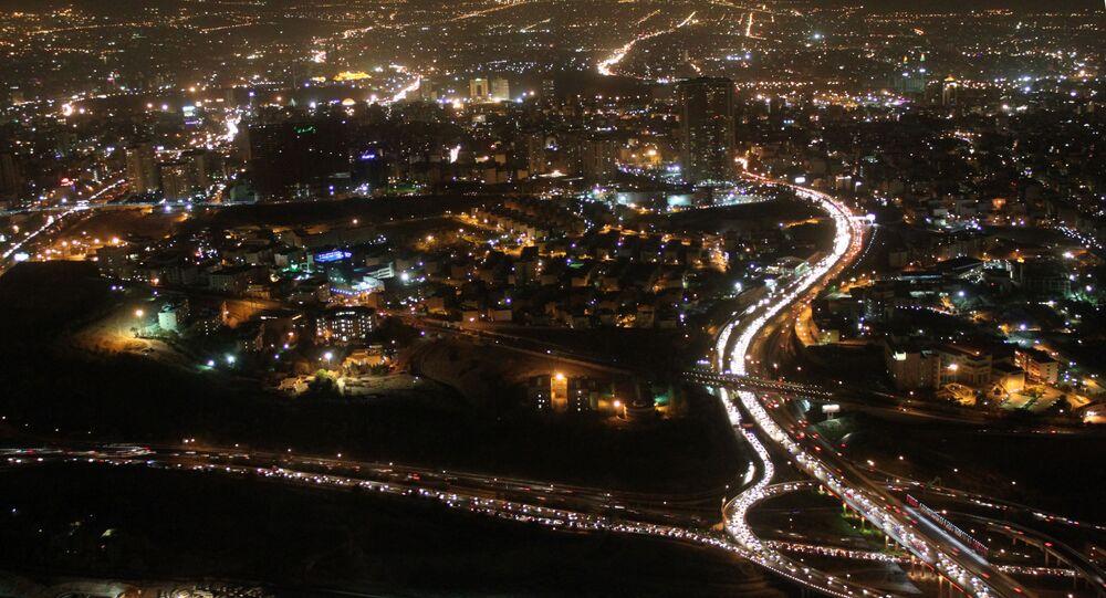 Teheran nocą