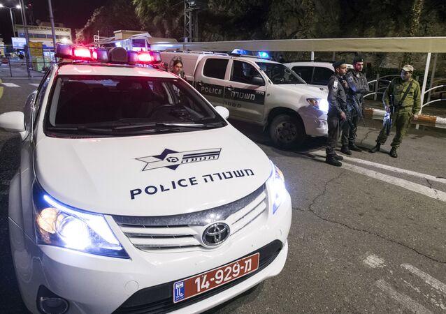 Radiowóz na miejscu przestępstwa w Izraelu