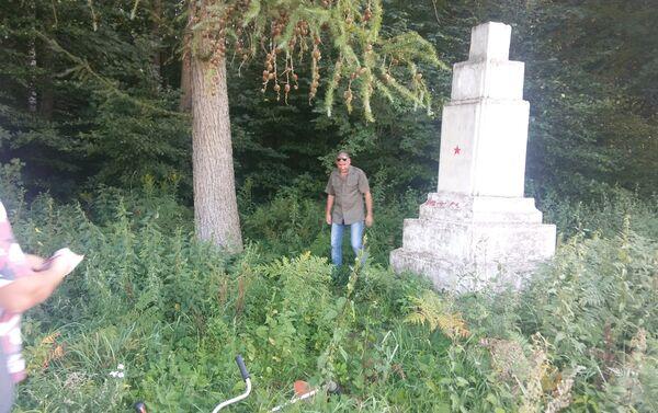 Za sprawą wandali oraz zgubnego wpływu warunków atmosferycznych, pomnik popadł w ruinę. - Sputnik Polska