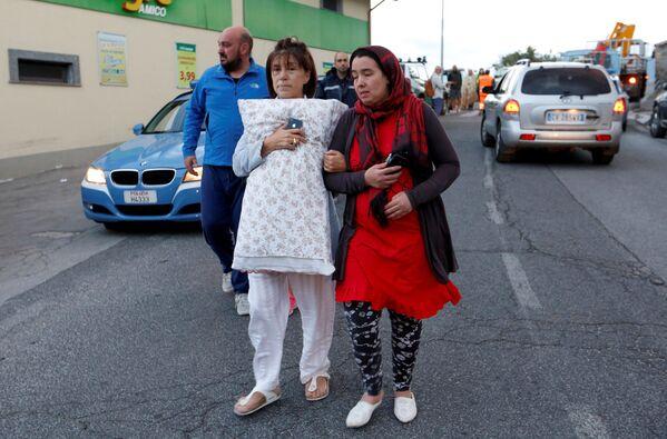Mieszkańcy Amatrice są w szoku i rozpaczy, wielu z nich straciło domy. - Sputnik Polska