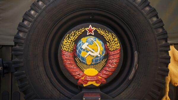 Wystawa samochodów retro w Petersburgu. - Sputnik Polska