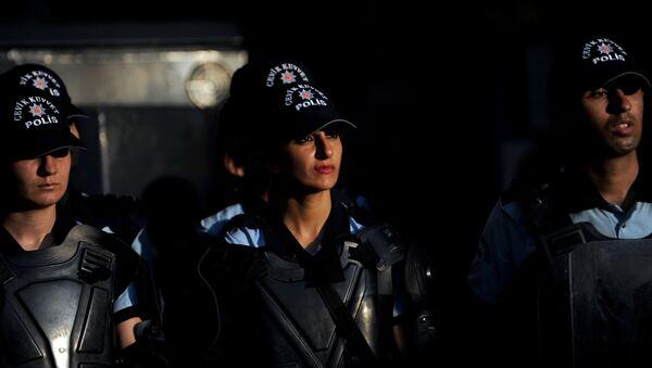 Tureckie policjantki będą mogły nosić hidżab - Sputnik Polska