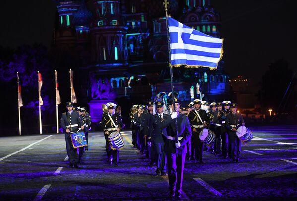Uczestnicy z Grecji podczas ceremonii otwarcia 9. edycji Międzynarodowego Festiwalu Orkiestr Wojskowych Spasskaja Basznia - Sputnik Polska