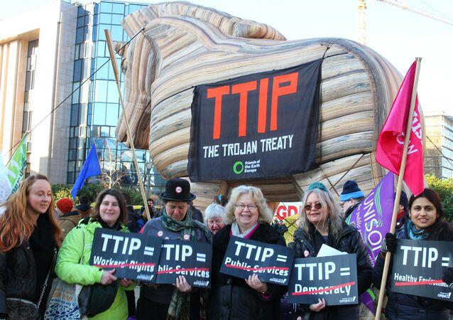 Jedna z akcji protestacyjnych przeciwko TTIP