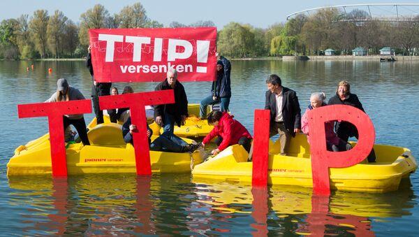 Akcja przeciwko wprowadzeniu TTIP - Hanover, kwiecień 2016 - Sputnik Polska
